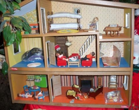 Lunby Dollhouse And Assorted Furniture Accessories Dollhouse Furniture Miniatures Nice